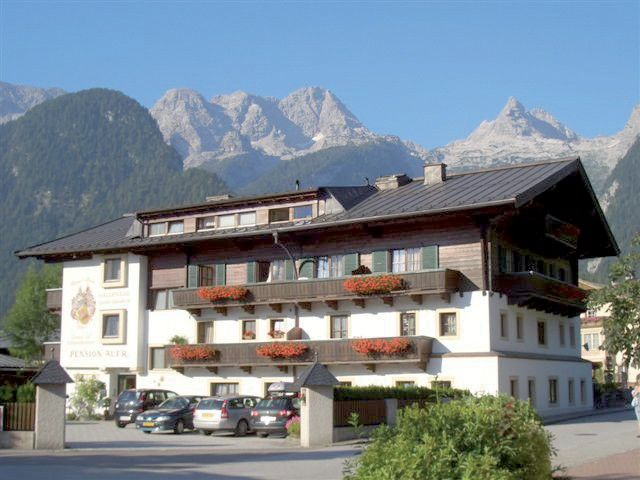 Pension Auer in Lofer Appartements und Zimmer