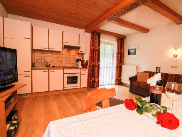 Küche/Wohnzimmer Appartements Simair PillerseeTal