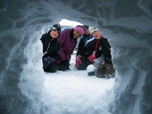 Schneehöhle bauen - Appartement Christine