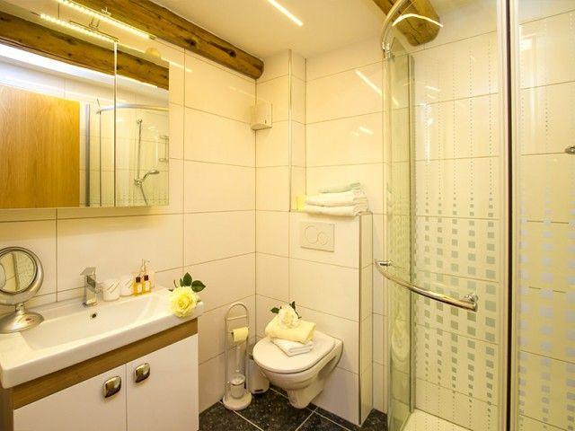 Badezimmer - Gerti's Ferienwohnungen in Hochfilzen