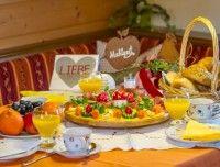 fruehstuecksbuffet-lofer.jpg