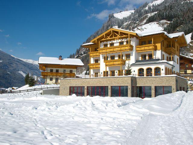 familienhotel-bauernhof-hotel-oberkarteis-winter-h