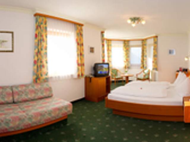 rattersberghof-grossarl-bauernhof-hotel.png