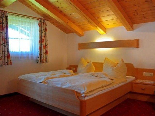 Schlafzimmer Hundstein