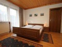 schlafzimmer-ferienwohnung-1.JPG