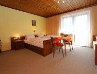 Ferienwohnung1-Zimmer1.jpg