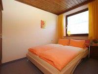 Ferienwohnung2_Schlafzimmer.jpg