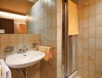 Badezimmer_des_Zimmers.jpg