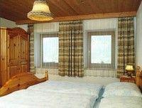 Schlafzimmer_Ferienwohnnung1.jpg