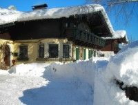 house_in_snow_copy_20110109_1454666561.jpg