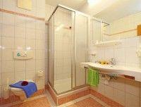 landgasthof-badezimmer-weissbach.jpg
