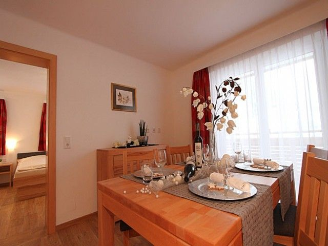 Esszimmer der Ferienwohnung 1 in Saalbach