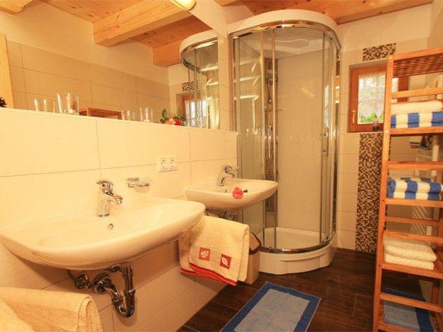 Badezimmer-Uhlinger-Almhuette