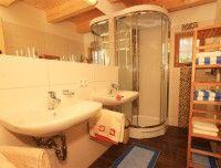 Badezimmer-Uhlinger-Almhuette.jpg